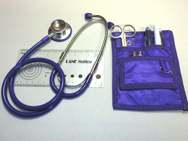 NURSE KIT WITH SINGLE TUBE STETHOSCOPE & MEDI METER.